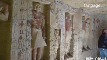 """Egitto, scoperta tomba di oltre 4.400 anni: """"Le statue sono intatte"""""""
