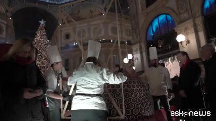 Milano da Guiness col Panettone Artistico più grande del mondo