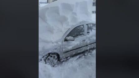 Incredibile nevicata, tuto viene coperto da un manto bianco