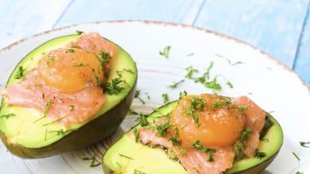 Avocado con uovo al forno: la ricetta per mantenersi leggeri con gusto!