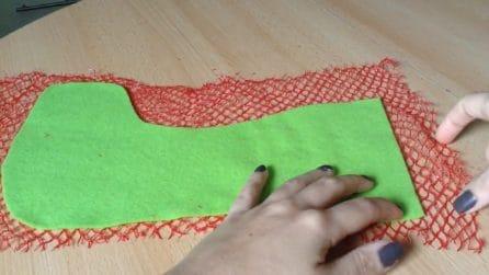 Come riciclare le retine della frutta per realizzare le calze della Befana