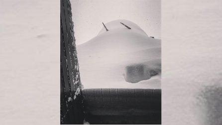 Molise, un metro di neve sommerge il paese di Capracotta