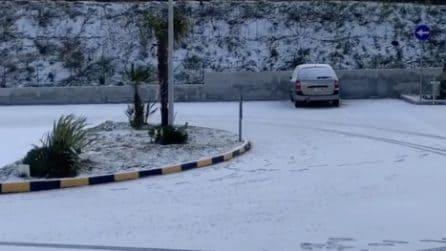La neve arriva anche a Salerno: la città si sveglia sotto un velo bianco