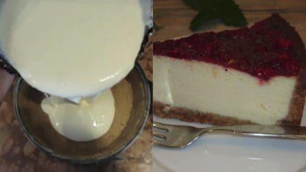 Cheesecake con fragoline di bosco: il dessert dal sapore unico