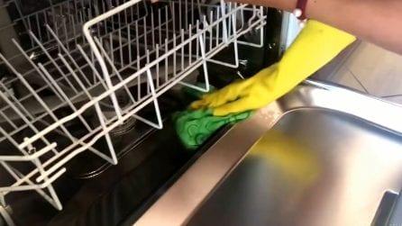 Come disinfettare la lavastoviglie ed eliminare i cattivi odori