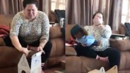 Ha perso suo figlio, la figlia decide di farle un regalo di Natale è davvero speciale
