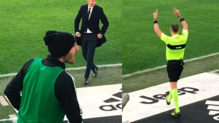 Juve-Sampdoria, l'arbitro va al Var: Bonucci urla qualcosa dalla panchina