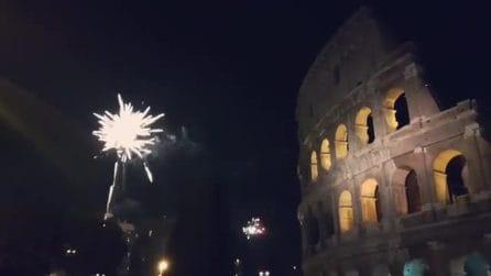 Capodanno 2019 a Roma, i fuochi d'artificio visti dal Colosseo