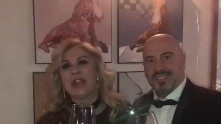 Tina Cipollari e Vincenzo Ferrara brindano insieme al nuovo anno