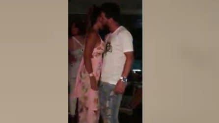Capodanno, Messi e la sua compagna si lasciano andare mentre vengono filmati
