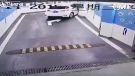 Problemi al parcheggio: quando le manovre semplici diventano autentici disastri