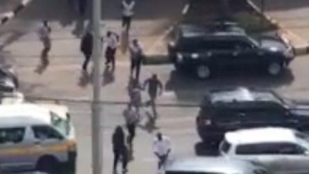 Kenya, commando attacca hotel di lusso: spari, esplosioni e persone in fuga