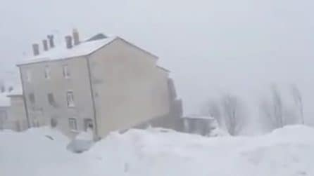 Emergenza neve: il paese completamente sommerso