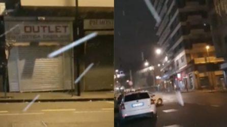 Napoli, nevica in alcuni quartieri: cadono i primi fiocchi nella notte