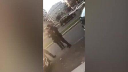 """Milano, il campione di basket Mike James fermato dai carabinieri """"armi in pugno"""": spunta un video"""