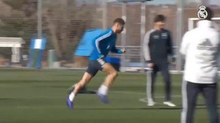 Sergio Ramos sembra Cristiano Ronaldo: il tiro non lascia scampo al portiere