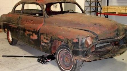 Restaura un'auto d'epoca e la rimette a nuovo: il risultato vi lascerà senza parole