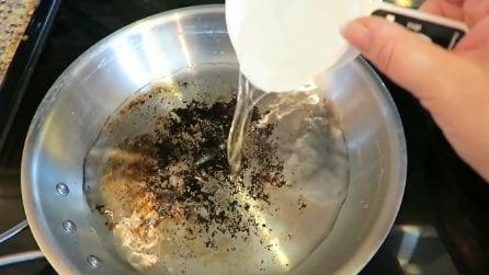 Come pulire le pentole in acciaio bruciate: torneranno come nuove