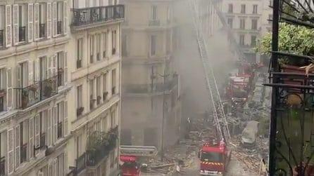 Parigi, esplode un palazzo: le immagini del disastro