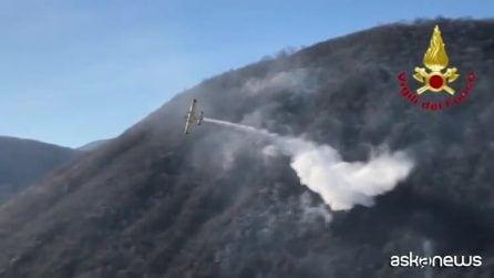 Rogo in provincia di Varese: i Canadair in azione