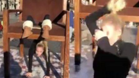 Improvvisa un'acrobazia in strada: la performance termina in maniera drammatica