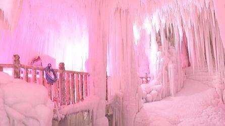 Uno scenario incantato che lascia senza parole: le suggestive grotte di ghiaccio