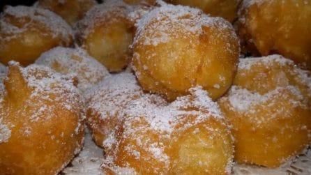 Frittelle dolci e golosissime: servitele per completare un pranzo perfetto