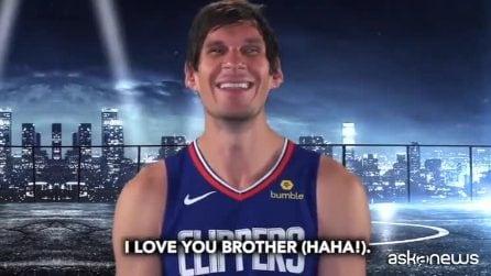 """Nba, i Clippers pronunciano (male) """"precipitevolissimevolmente"""" e Gallinari li riprende"""