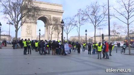 I gilet gialli sugli Champs Elysées: è decimo sabato di protesta
