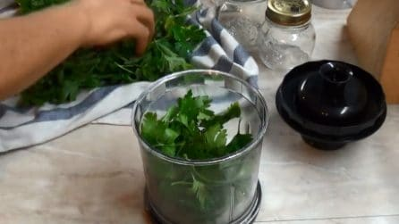 Come conservare il prezzemolo più a lungo