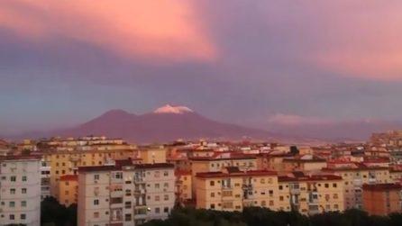 Il Vesuvio si tinge di rosa: il tramonto suggestivo e bellissimo