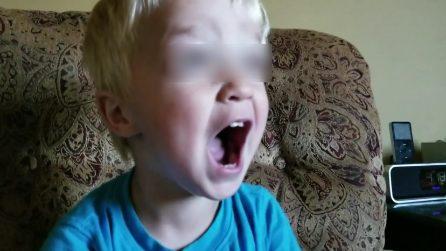 """È """"Queen mania"""", il piccolo canta Bohemian Rhapsody ed è uno spettacolo"""