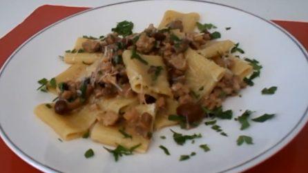 Paccheri con funghi e salsiccia: un piatto semplice ma dal sapore ottimo