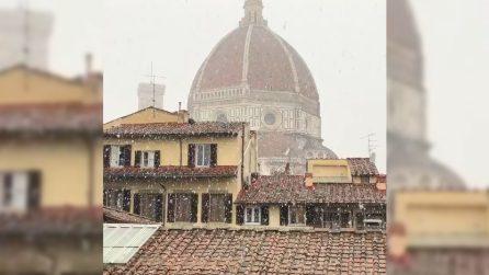 Neve a Firenze: i fiocchi rendono incantevole la cupola del Brunelleschi