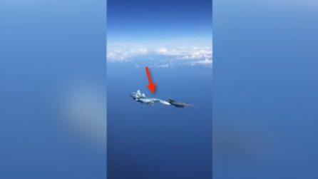 Il jet russo sfiora il caccia statunitense: tensione ad alta quota