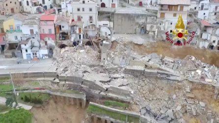 Parte del paese vicino Matera rasa al suolo: le immagini dopo la frana