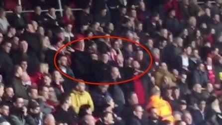 Insultano Emiliano Sala durante il minuto di raccoglimento: l'ignobile gesto