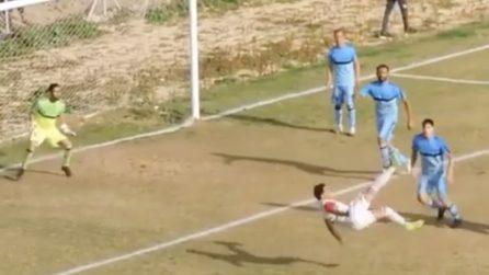 Il gol più spettacolare di sempre: due assist in rovesciata e poi il gol, sempre in rovesciata