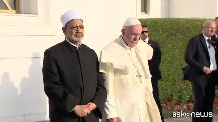Papa: religioni si impegnino di più per riconciliazione e pace