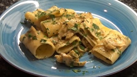 Paccheri in salsa di carciofi: un piatto cremoso che conquisterà tutti i palati