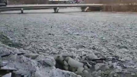 Il fiume rappresenta un pericolo, vietato avvicinarsi: il fenomeno dell'ice jam