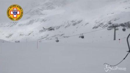 Cervinia, guasto alla seggiovia: 30 sciatori bloccati
