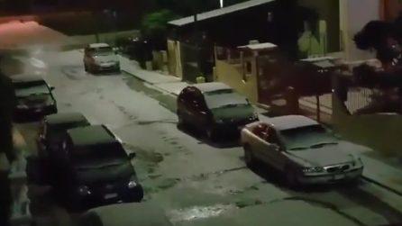 Bari, le strade diventano bianche dopo la violenta grandinata