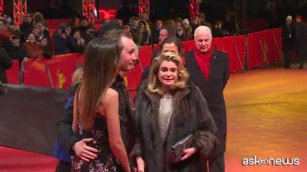"Catherine Deneuve alla Berlinale, è la star di ""Adieu à la nuit"""
