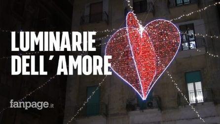 San Valentino, Napoli si colora di rosso: cuori e luci in centro per celebrare l'amore