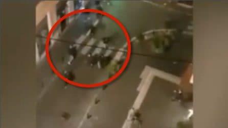 Lazio-Siviglia, scontri tra tifosi nel centro di Roma: le immagini dall'alto