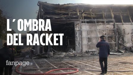 """Incendio in una fabbrica a Casoria: """"Qualche giorno fa due bombe carta nella stessa via"""""""
