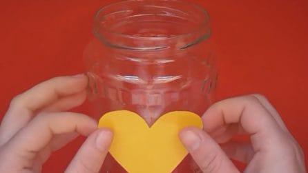 Come realizzare una lanterna di San Valentino con un barattolo di vetro