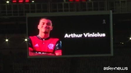 Flamengo, il commovente omaggio del Maracanà alle giovani vittime