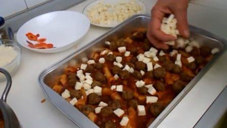 Pasta al forno con polpettine: tutto vorranno fare il bis